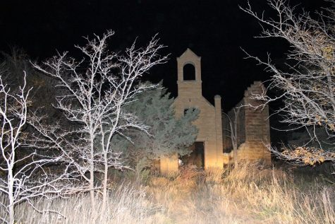 The burnt down church in Catherine.
