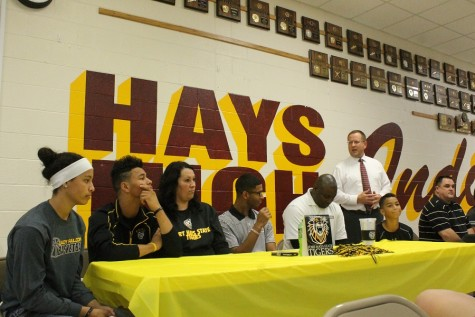 Senior Isaiah Nunnery signs to Fort Hays