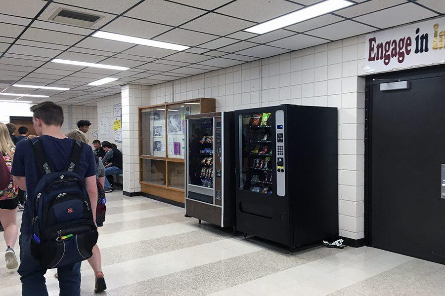 "should vending machines be allowed in Argument essay 1 argument essay 2 the ""junk food"" in vending machines should not be the reason that the machines are not allowed vending machines should."