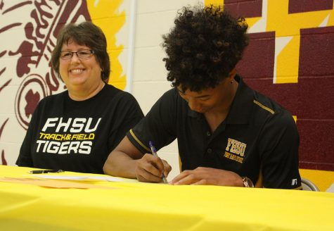 Senior Keith Dryden signs to FHSU track and field