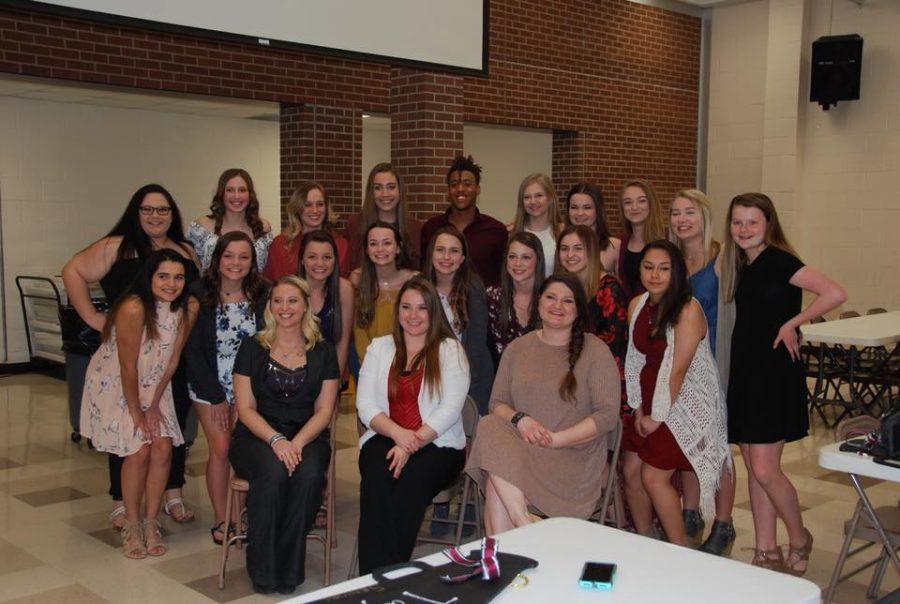 Cheerleaders attend end-of-season banquet