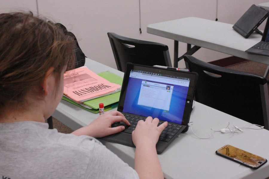 Sophomore Hanna Dannar works on her writing assignment for Latin II.
